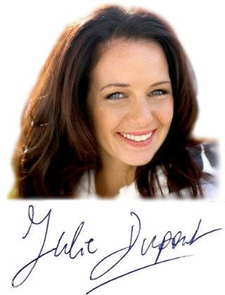 Julie Dupont est l'auteur du livre Grossir la poitrine naturellement